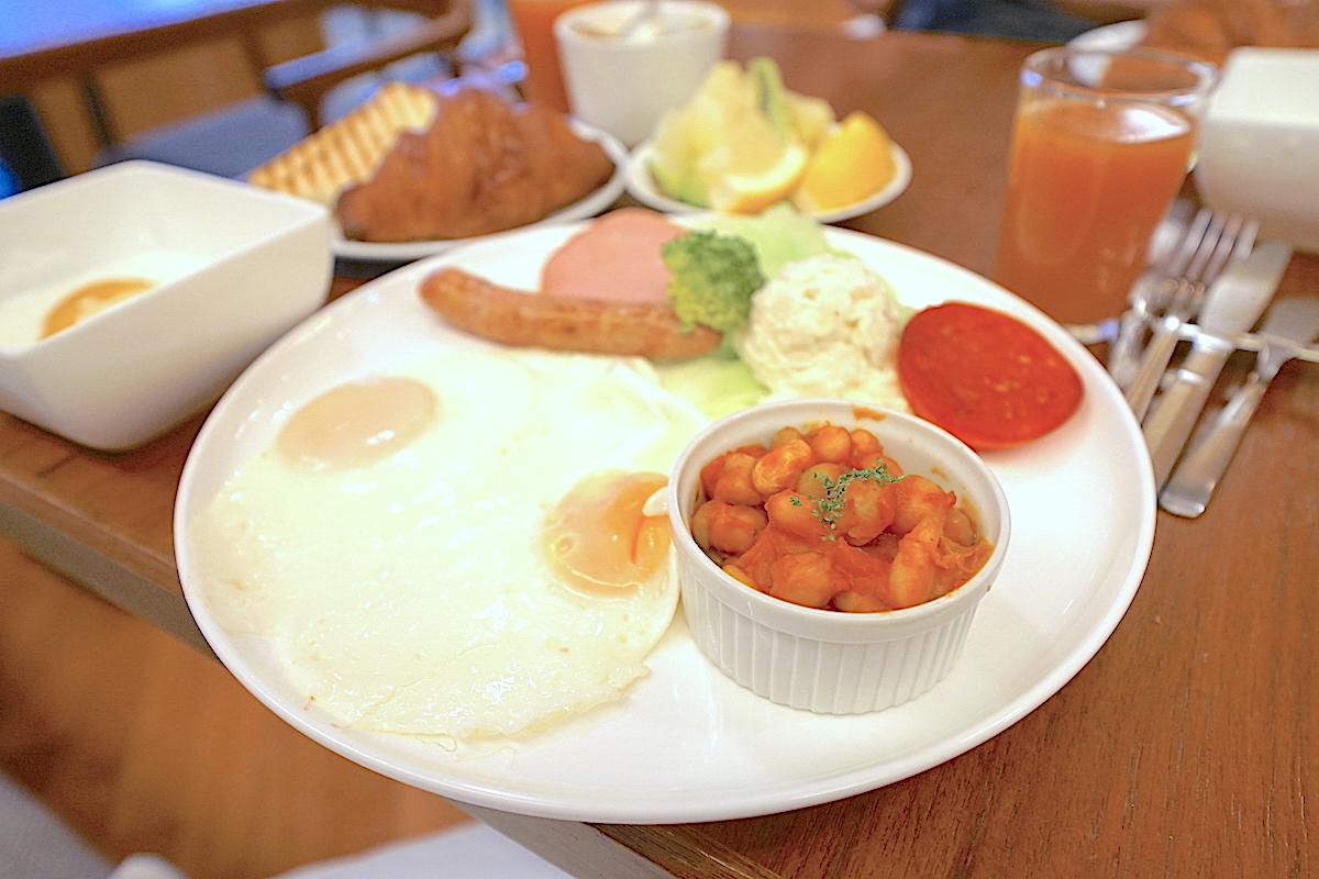 朝食はお洒落な洋食プレートを!