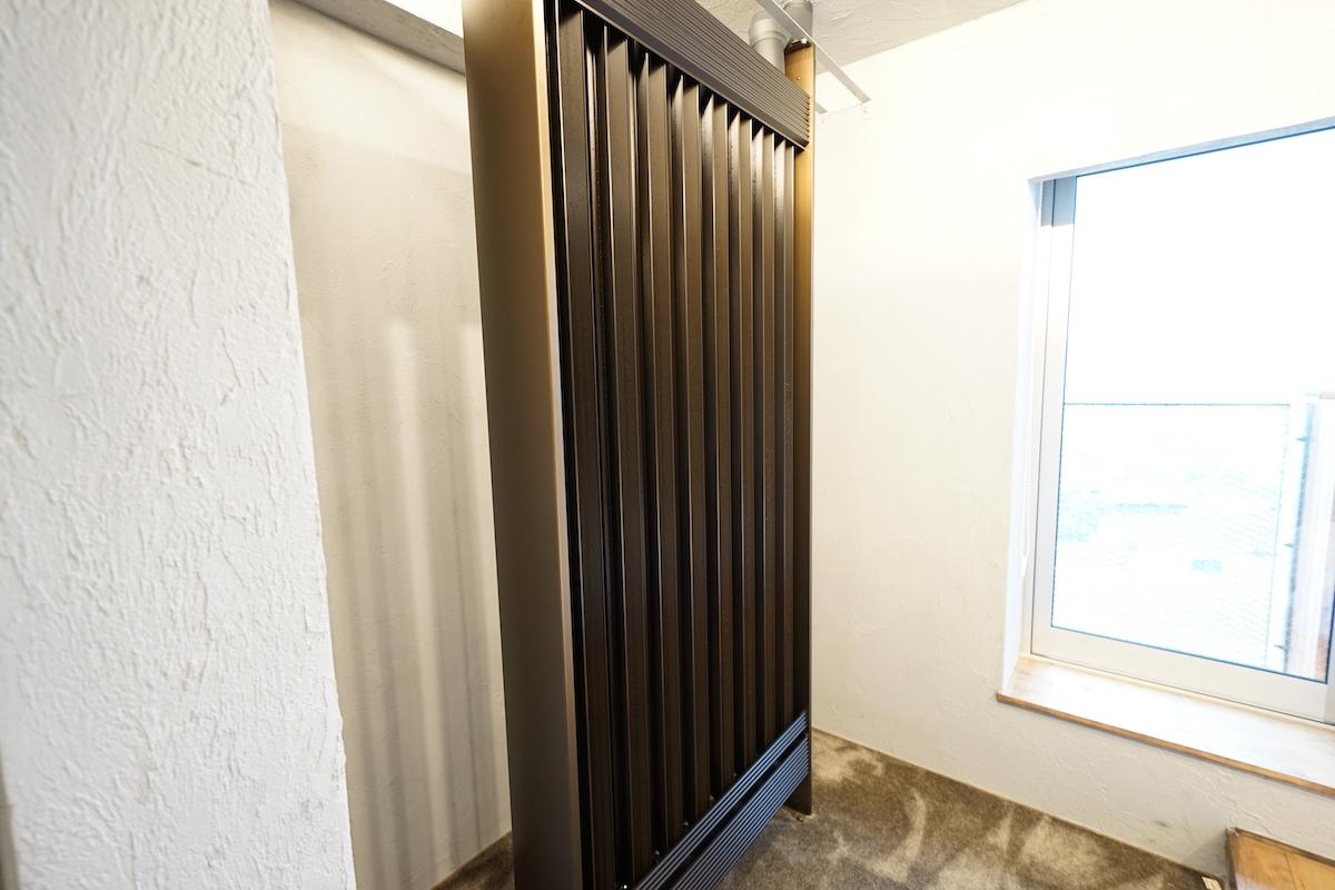 客室はスタイリッシュで、冷暖房は最新設備!