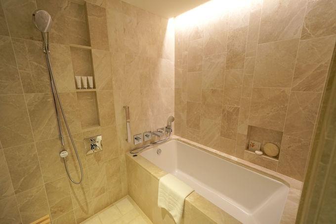 バスルームとウォーキングクローゼットは余裕の広さ