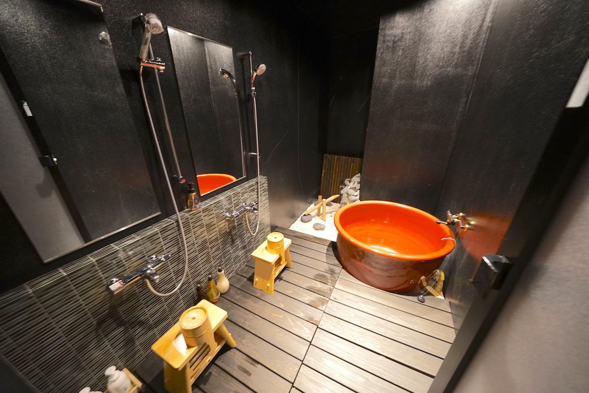 お風呂の秘密のスイッチが遊び心満載!