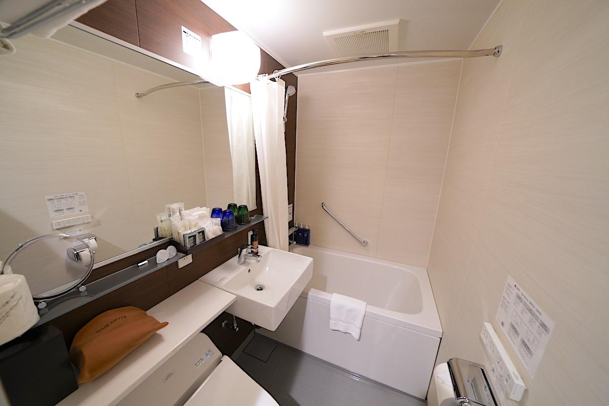 バスルームはオーソドックスなタイプ
