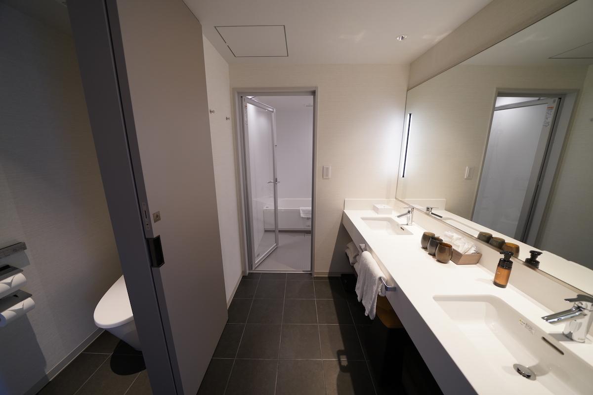 広いバスルームは快適空間