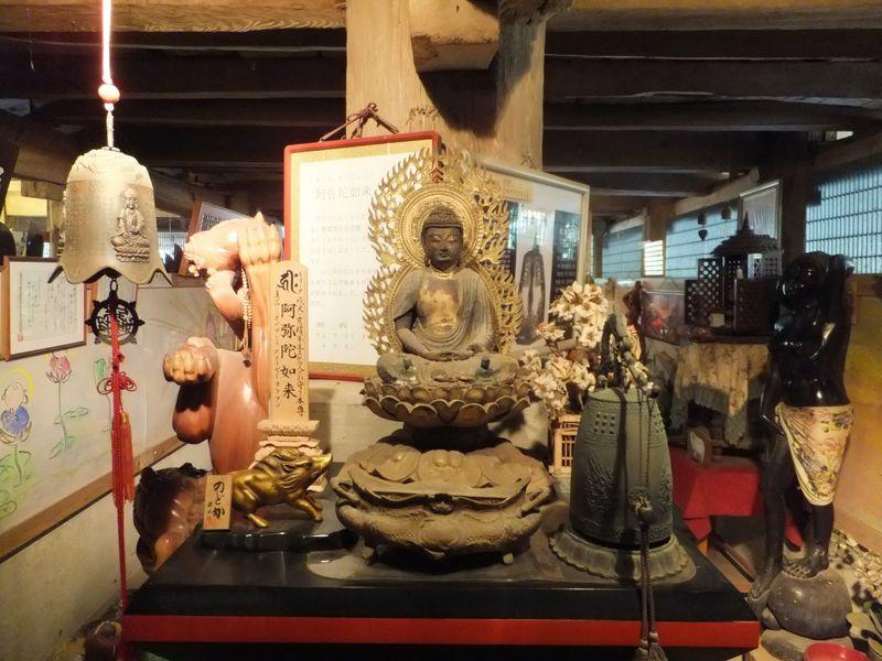 床下に入って来世観光!?木更津市「高蔵寺」は見所いっぱいのユニークな寺