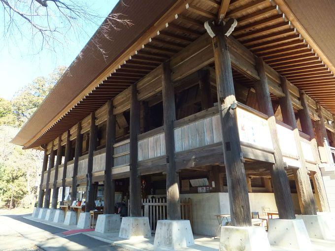 高床式の本堂が圧巻!藤原鎌足生誕の伝説がある「高蔵寺」