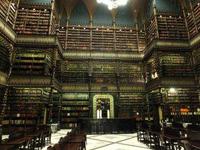 本に触れることもできない!リオデジャネイロ「幻想図書館」が神秘的すぎる美しさ