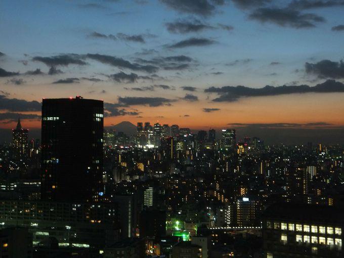 これぞ日本の美!富士山×新宿副都心のコントラスト