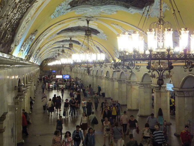 まるで宮殿!ソ連を感じるモスクワ地下鉄の魅力