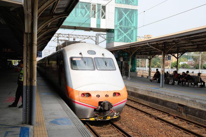 2日目昼:台鉄に乗ってノスタルジックな台南へ