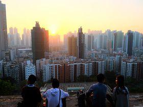 香港ひみつの絶景スポット!深水ホ「ガーデンヒル」の夕暮れ