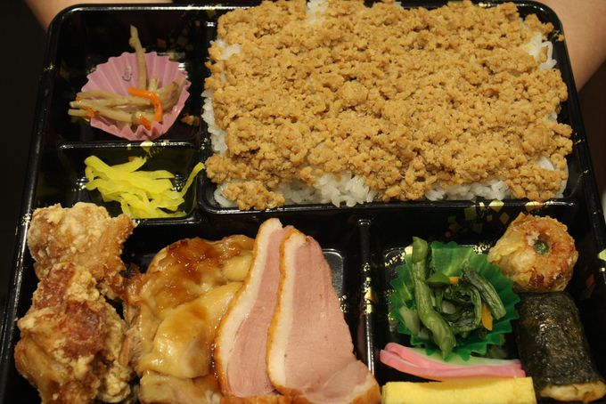 鶏惣菜専門店のボリューム満点鶏ずくし弁当!