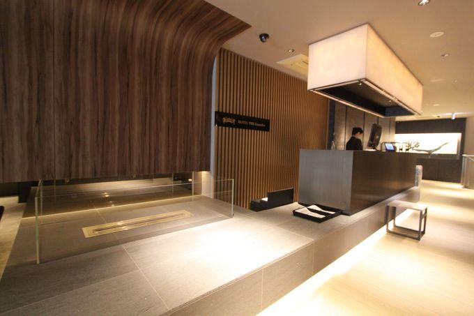 デザイン性あふれる空間はフロントから