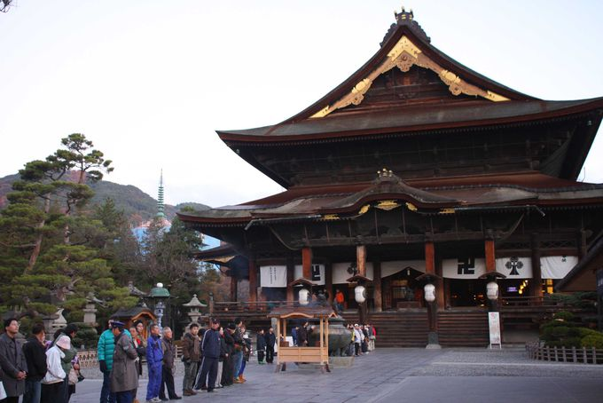 長野観光の寺社代表「善光寺」