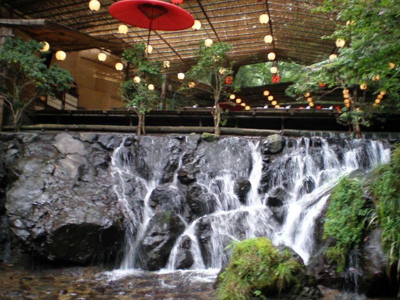 京都の奥座敷・貴船で手軽に川床体験