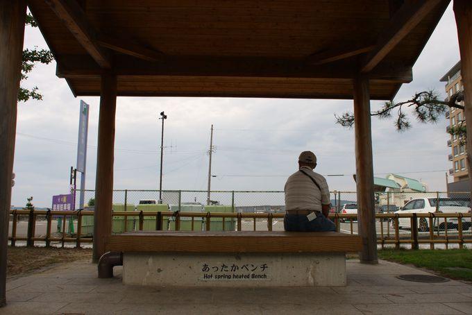 こんなベンチが近所にあったらいいな♪