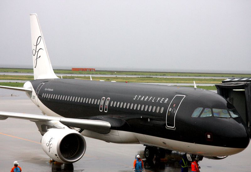 片道4,500円〜と格安ながらフルサービス!黒い機体がオシャレなスターフライヤーが、関西—福岡就航!