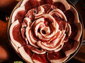 絶品ぼたん鍋は丹波篠山囲炉裏料理「いわや」!囲炉裏を囲んで生の猪肉を食す!