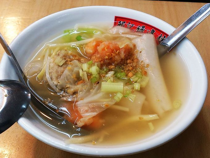 あっさり海鮮スープが決め手の麺!「邢記鐤邊銼」