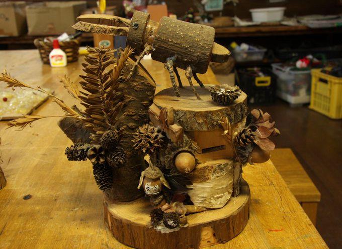森の材料で木工作!