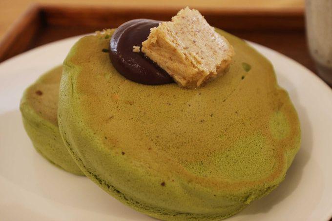 箸で食べる新感覚な抹茶ホットケーキ「うめぞの カフェ&ギャラリー」