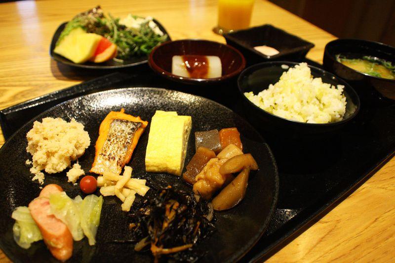 懐かしいおふくろの味が堪能できる!ホテルユニゾ大阪淀屋橋はエネルギーチャージできる宿