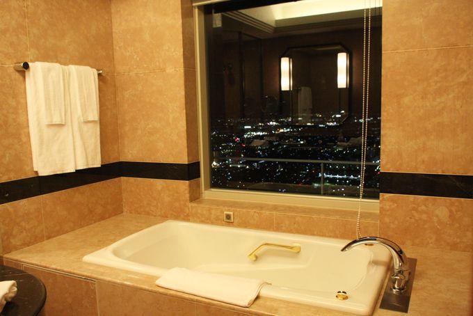 バスルームからも夜景を堪能