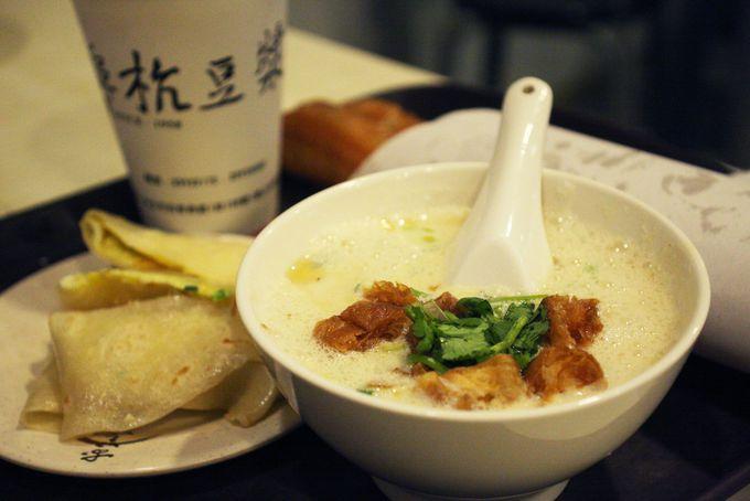台湾朝ごはん・豆漿の超人気店「阜杭豆漿」「世紀豆漿大王」
