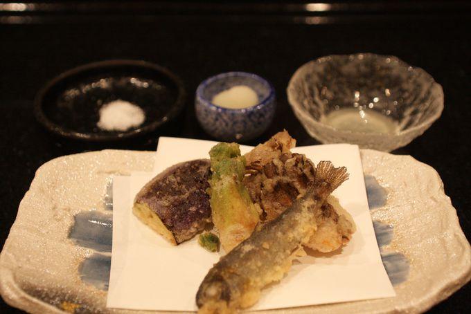 カラリと揚げた天ぷらはサックサク