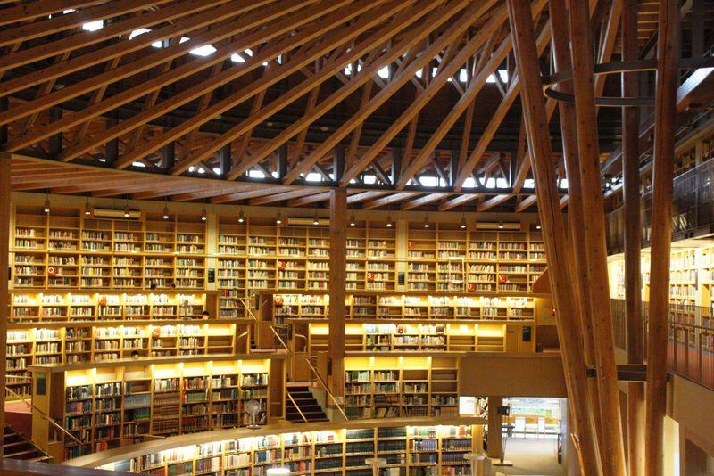 日本の美しい図書館第一位は秋田県に!中嶋記念図書館・国際教養大学