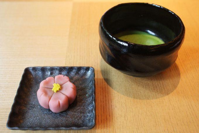 作った和菓子はお抹茶とどうぞ