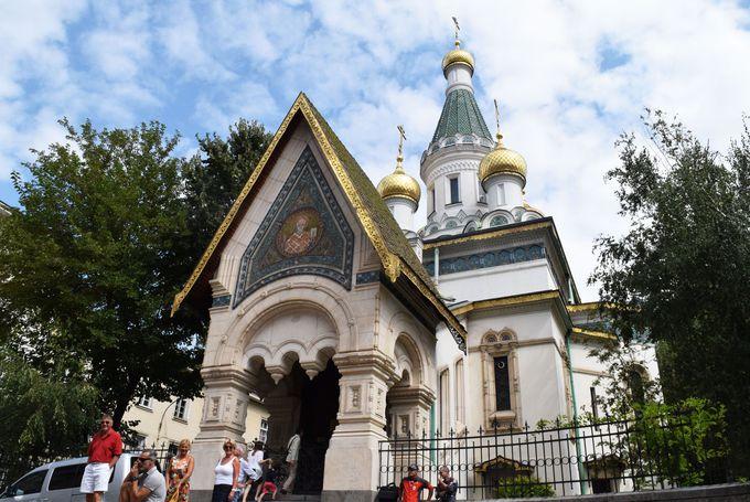 金色のドーム屋根が目を引く聖ニコライ・ロシア教会