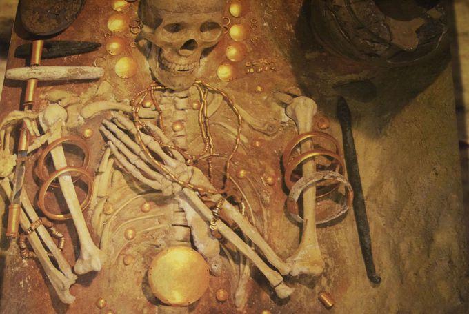 20世紀最大の発見の黄金のマスク!ソフィア・国立考古学研究所付属博物館と国立歴史博物館