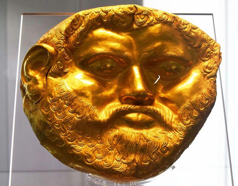 20世紀最大の発見の黄金のマスク!ソフィア・国立歴史博物館・国立考古学研究所付属博物館