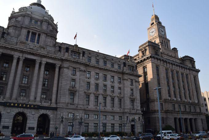 古典主義の外観と天井のモザイクが美しい上海浦東発展銀行