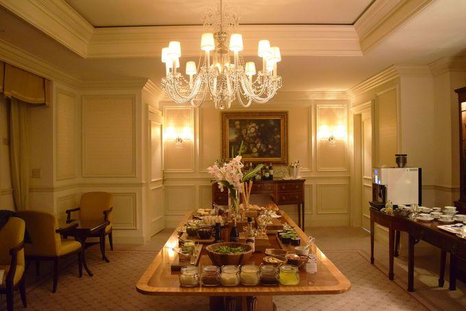 最高級客室「ザ・リッツ・カールトン・スイート」の特設クラブラウンジ