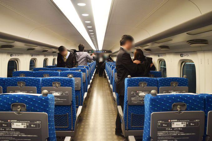 新幹線で富士山が見られる座席は?