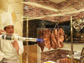 炎の大判ステーキに超冷たい天ぷらも!「ヤバいぞ!グルメ祭」が大阪新阪急ホテル・オリンピアで開催