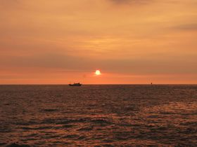 台湾・打狗英国領事館からみる高雄港の夕日が美しい!
