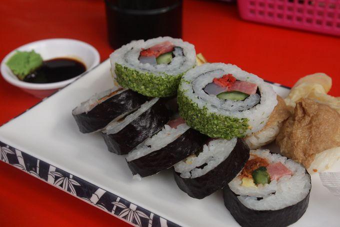 太巻き寿司やおいなりさんも