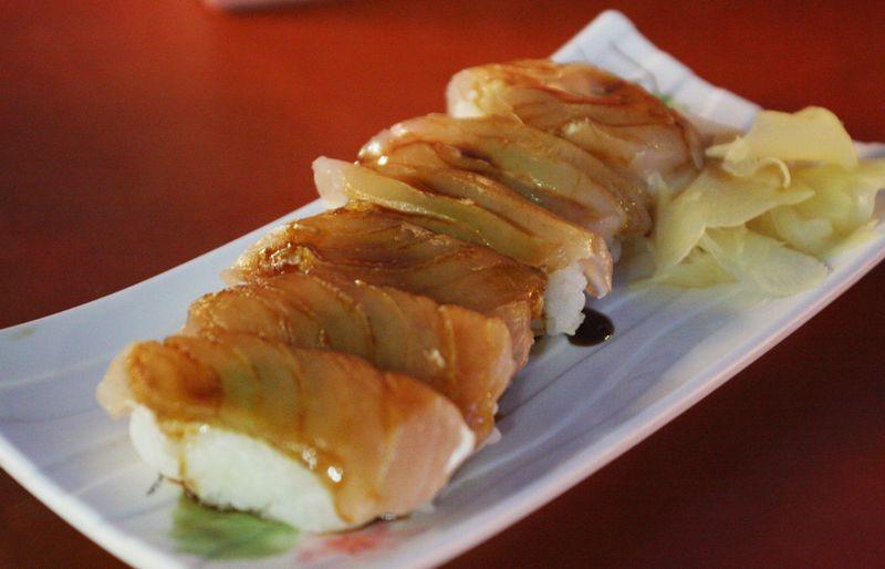 台湾の生魚握寿司と茶壺湯が衝撃的な味わい!高雄「30年老店」