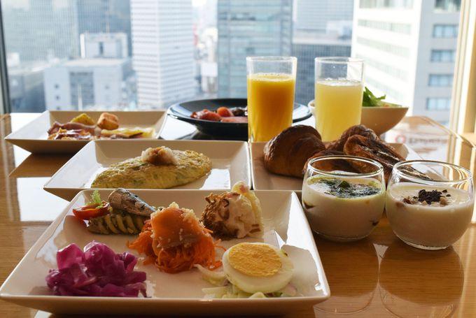 優雅な雰囲気で朝食を