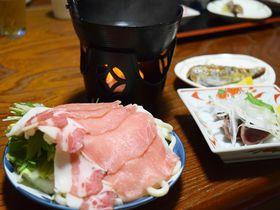 指宿温泉の源泉と黒豚しゃぶしゃぶを存分に味わえる「昔ながらの小さな宿 川久」