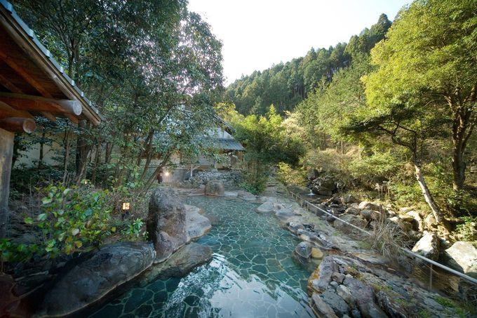 本物の渓流沿いの露天風呂なら椎葉山荘へ