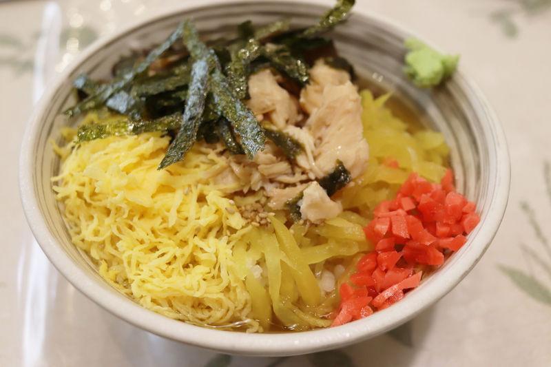 鹿児島空港の食事は鶏飯バイキング600円で決まり!奄美の郷土料理を格安で!