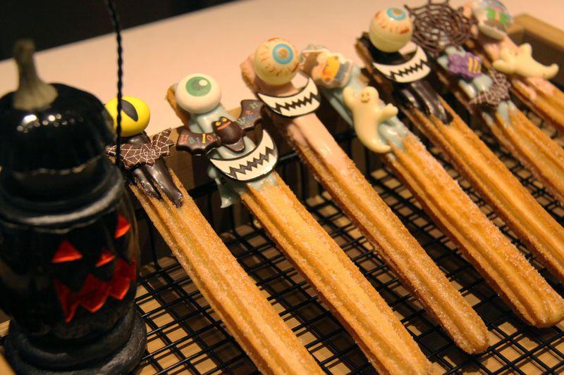 大阪・ホテル ユニバーサル ポート ヴィータのハロウィンはキモカワスイーツにはまる!