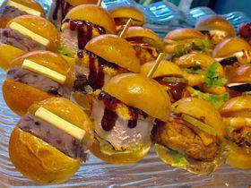 キュートな手のひらパン&一風変わった惣菜パンが話題の大阪・papa2 BAKERY