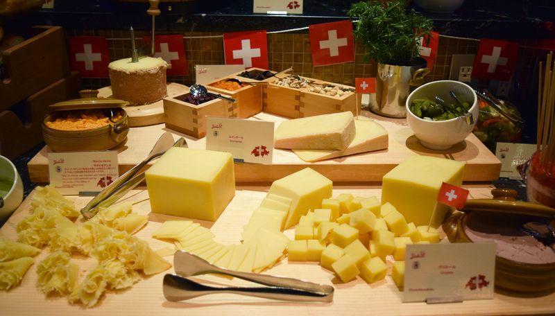 木曜日限定のスイスブッフェナイトはチーズ料理がすごい!スイスホテル南海大阪