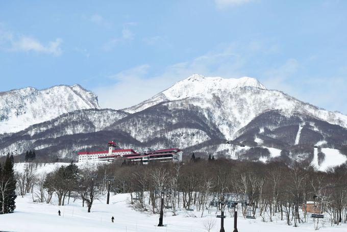 妙高山の中腹にたたずむ赤倉観光ホテル