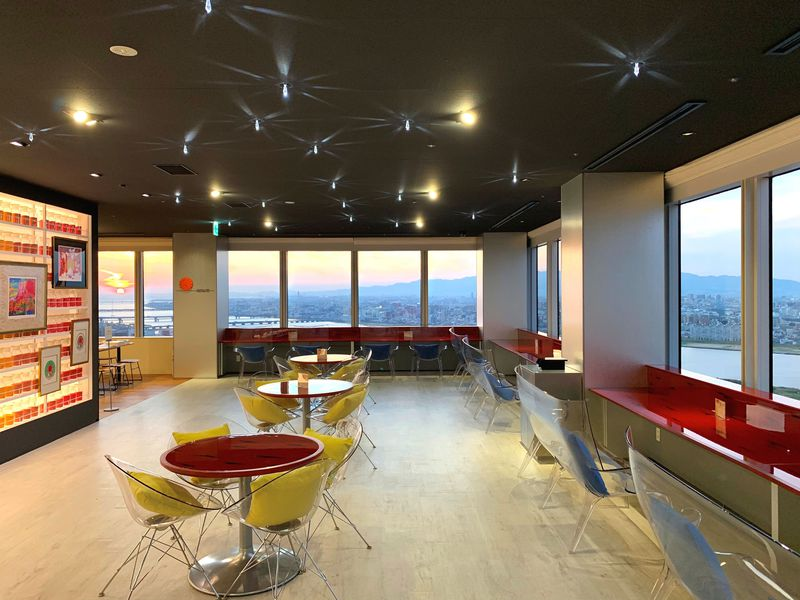 大阪の穴場カフェ&遊びスポットは天空にあり!絹谷幸二 天空美術館