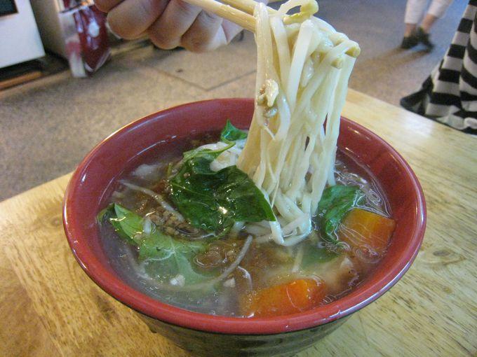そぼろの味と麺がほどよくからまる「晴光意麺」