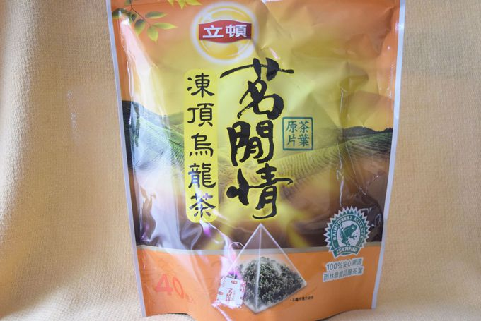 世界のリプトンのウーロンミルクティーと烏龍茶がおいしい